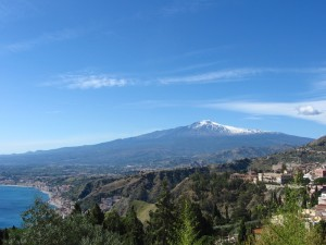 dreamstime_s_Mt._etna_from _taormina