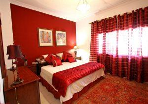 ROMANTIC HOTEL