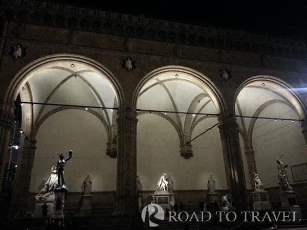 Loggia dei Lanzi Loggia dei Lanzi in Piazza della Signoria Florence.