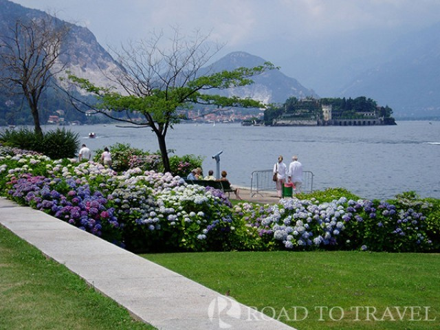 Things to see in Italy : Stresa Stresa is the main town on Lake Maggiore.