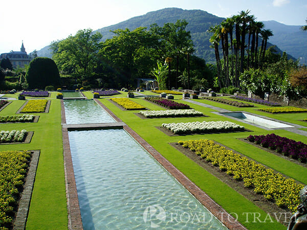 Villa Taranto - Terraced Garden Italy Honeymoon packages : the famous terraces of Villa Taranto.